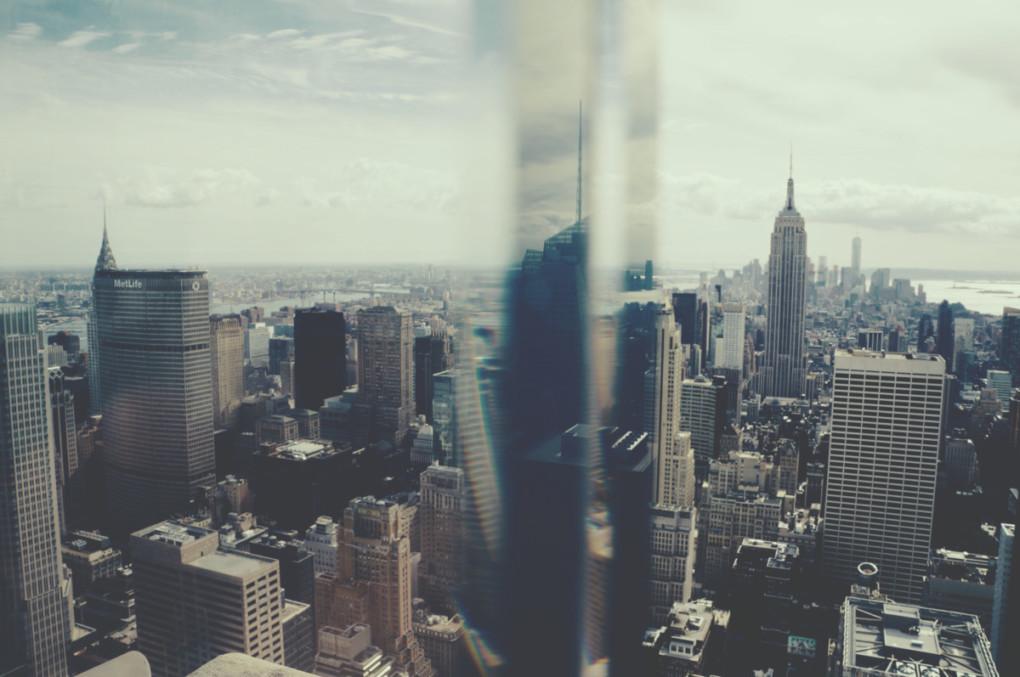 New-York-cez-sklo-Manhattan