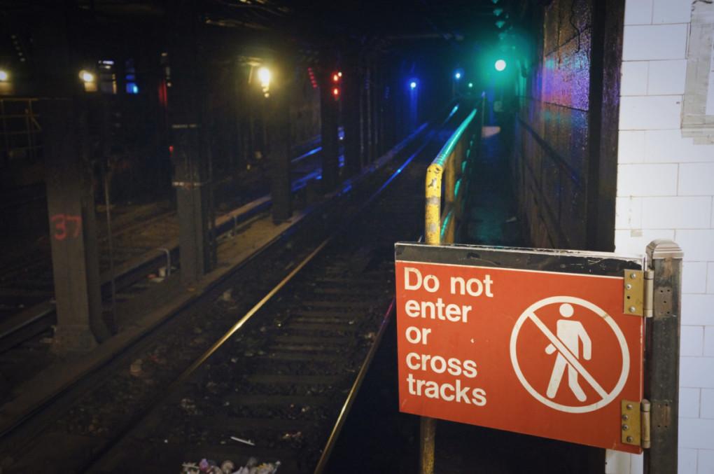 New-York-metro-tunely-zakaz