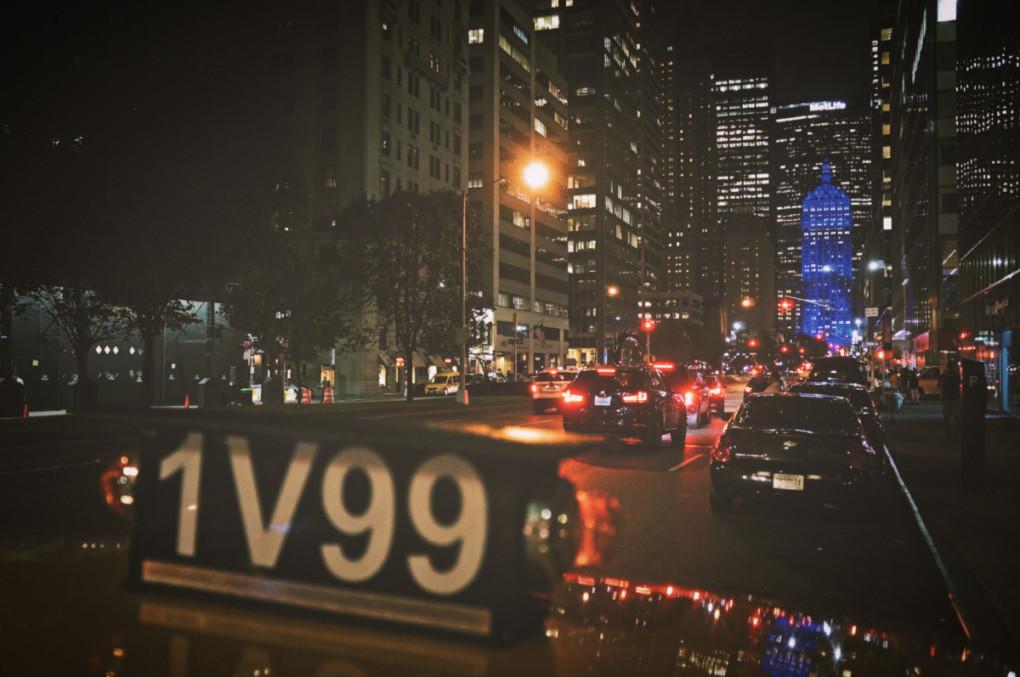 Nocny-New-York-taxi