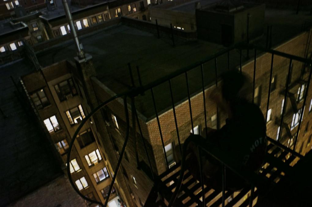 Schodisko-strechy-Manhattanu-couchsurfing-posed