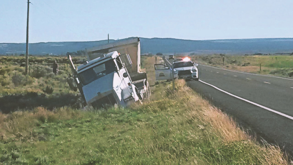 havaria-v-Utahu-na-ceste-usa-kojot-kamion