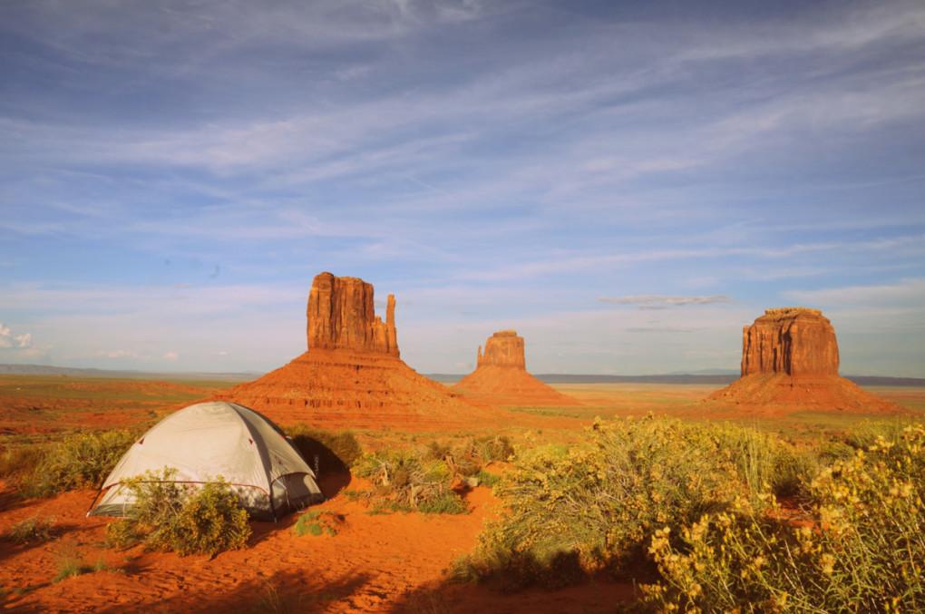 kempovanie-Monument-Valley-kemp